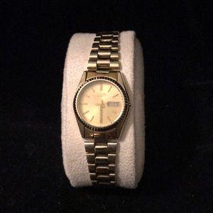 Women's Seiko gold link watch